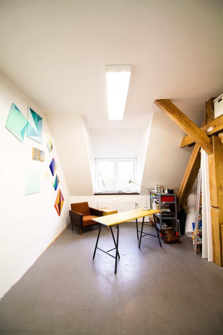 Aranżacja mieszkania na poddaszu ze skosami | Duszyńska Design