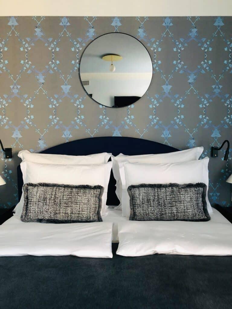 Granatowa sypialnia | Projektowanie wnętrz - Duszyńska Design 8
