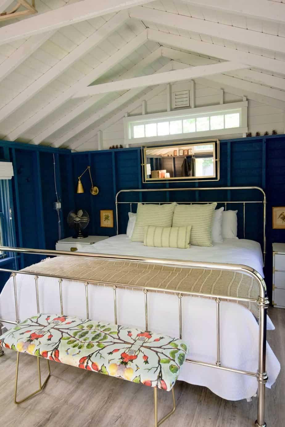 Granatowa sypialnia | Projektowanie wnętrz - Duszyńska Design 3