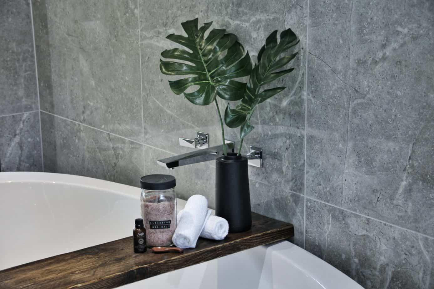 łazienka drewno i beton (17)