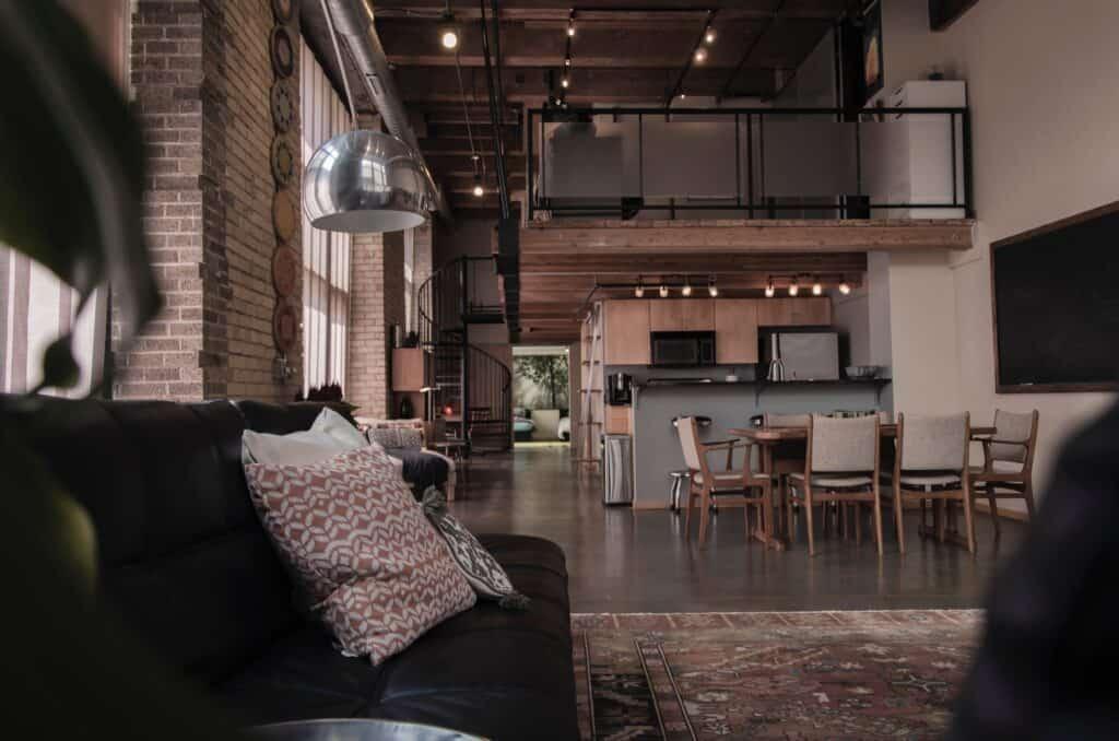 Aranżacja holu w mieszkaniu typu loft