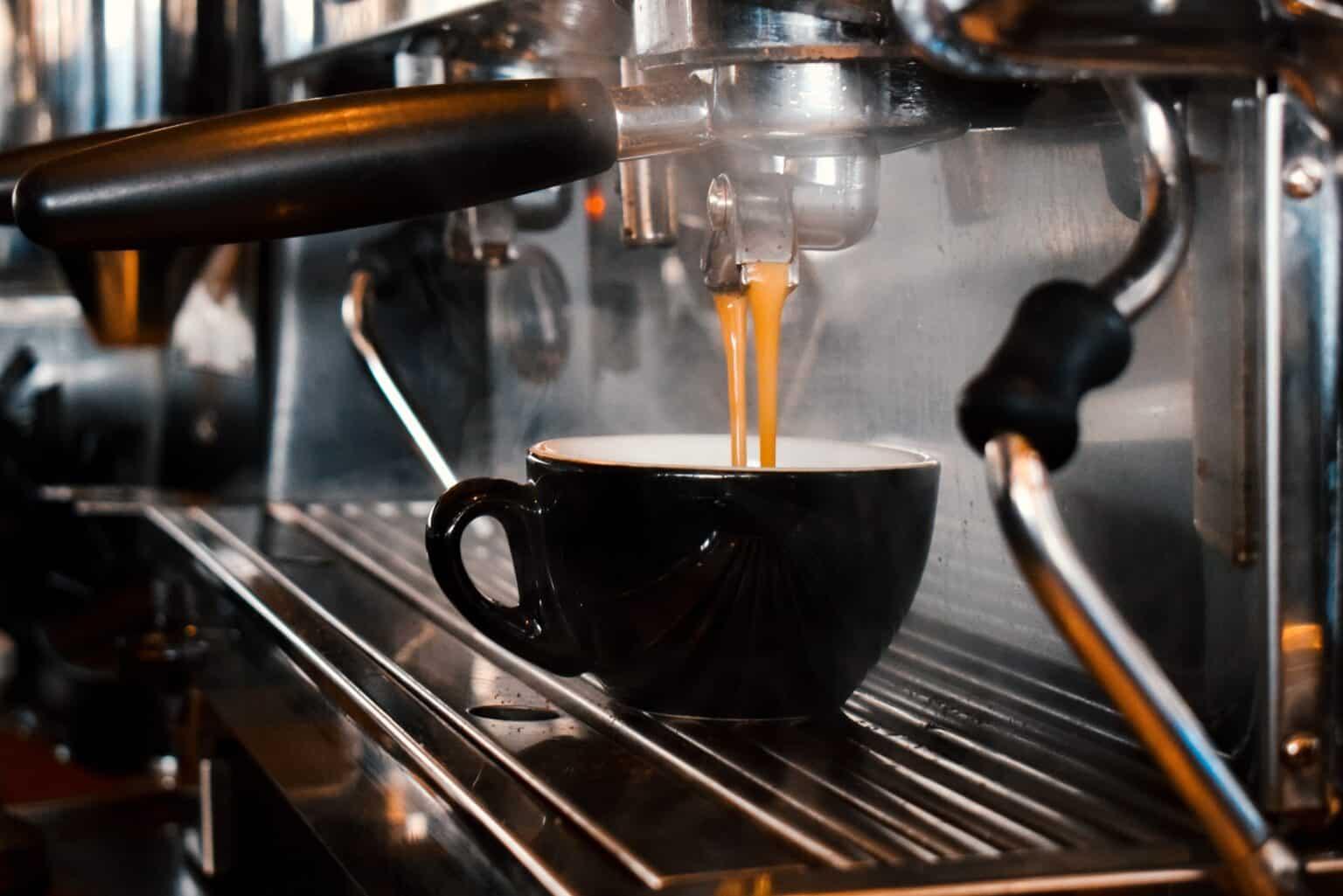 Jak podać kawę w kawiarni