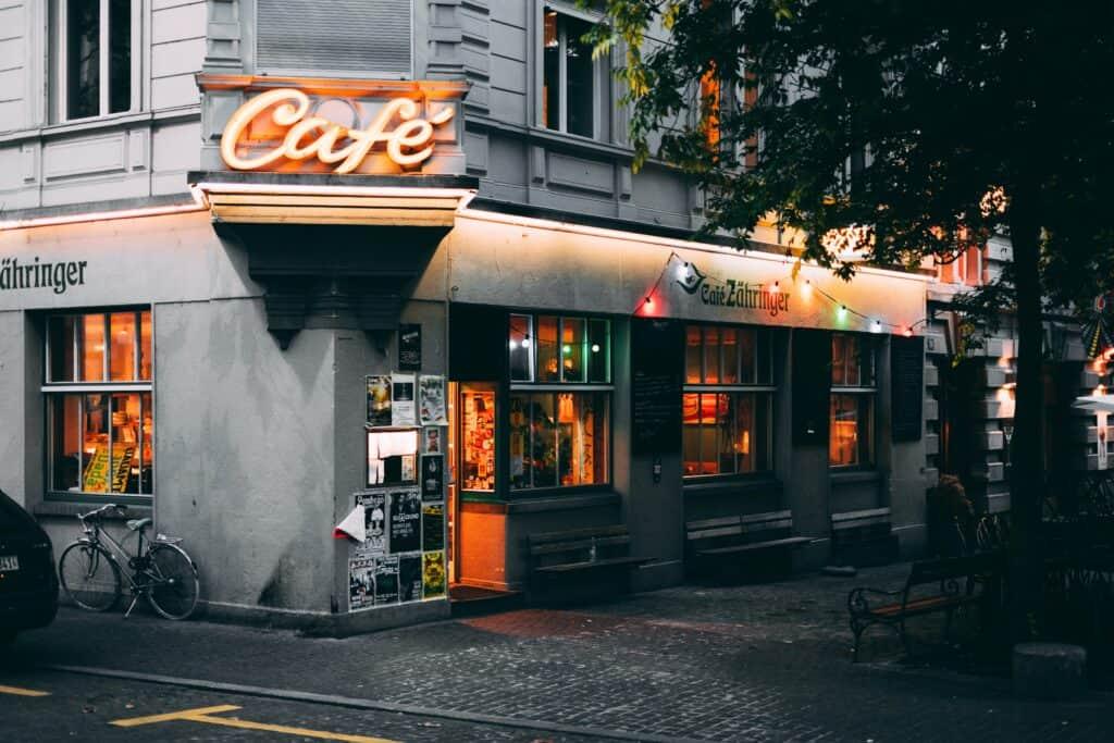 Projektowanie wnętrz kawiarni