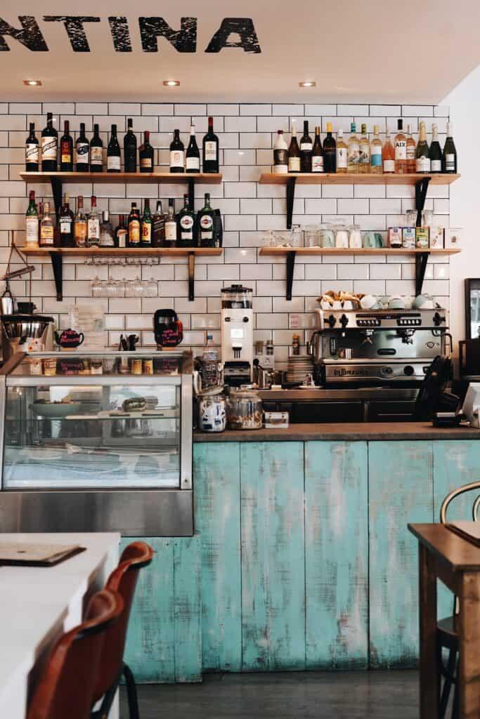 Ciekawe aranżacja kawiarni