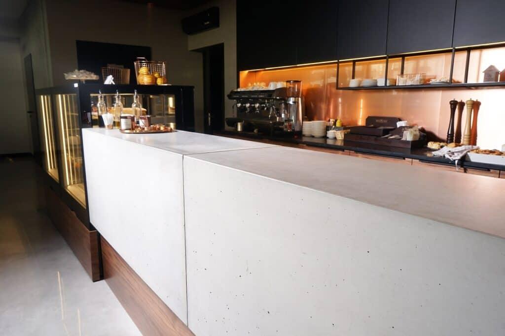 zabudowa blatu z betonu Artis Visio