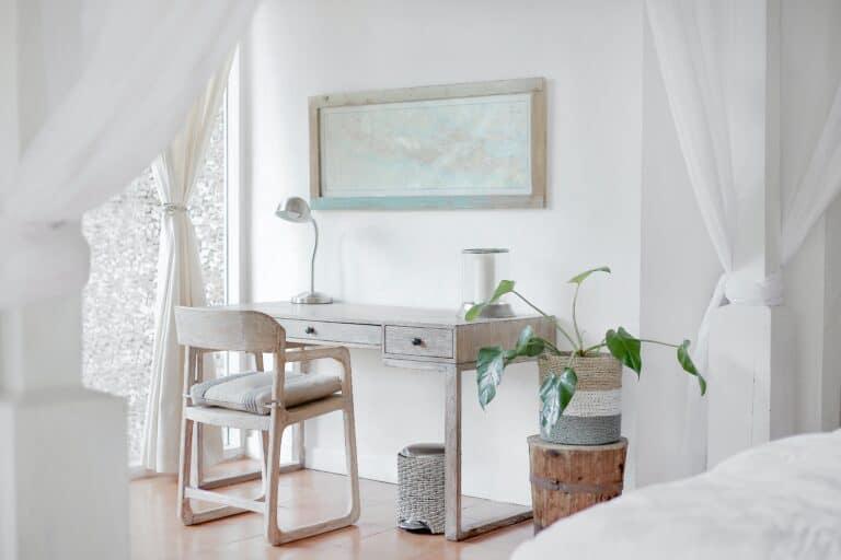 Aranżacja wąskiego pokoju, mały pokój w bieli