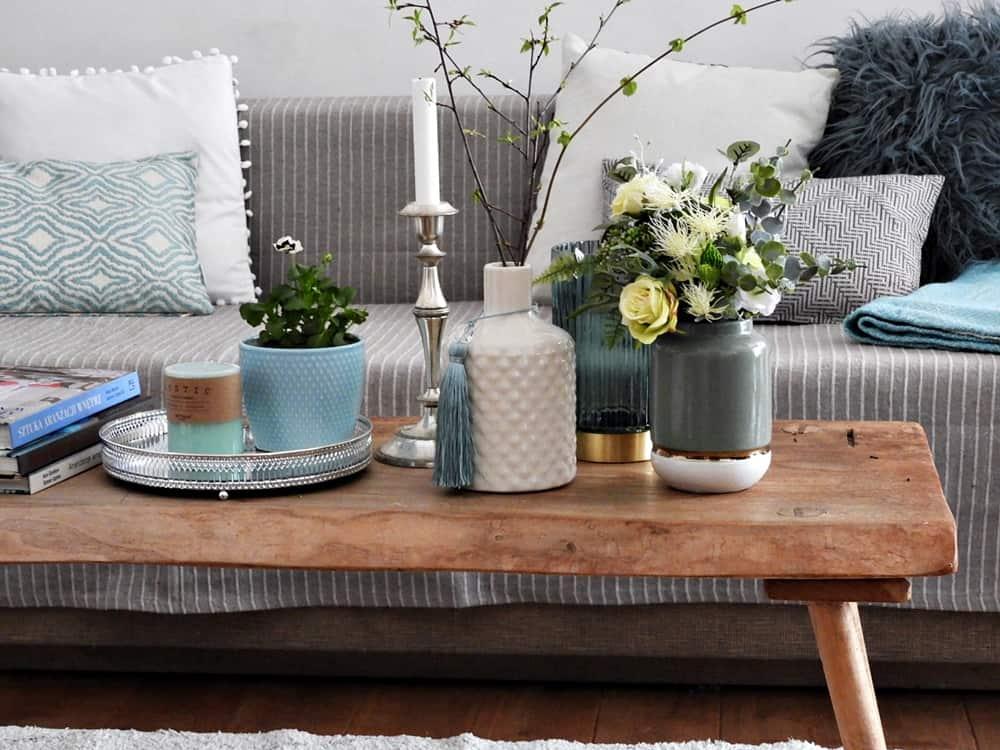 Stół z dekoracją